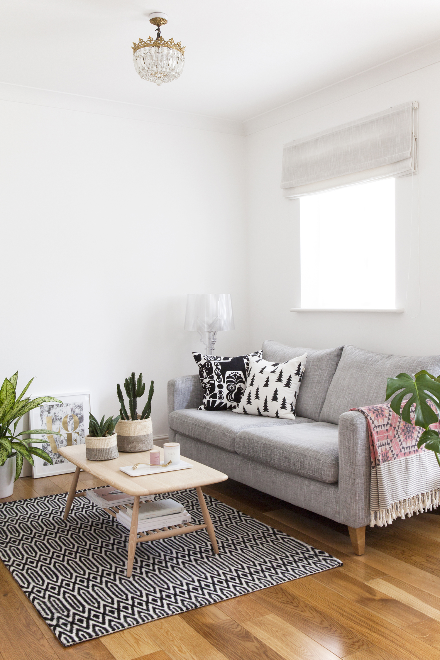 Ten Ways I Simplified My Life | photo of a calm and tidy living room | natashadenness.co.uk