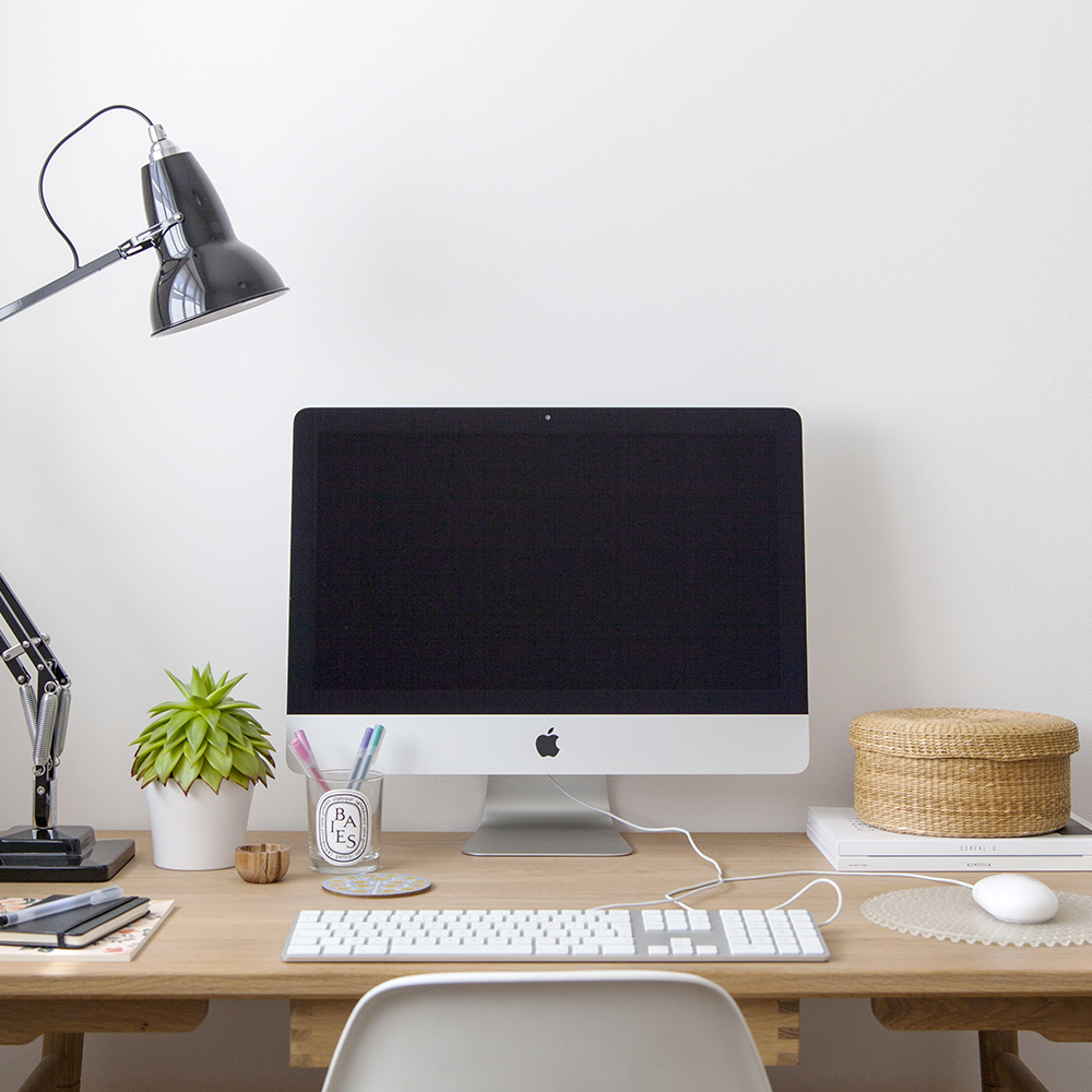 How to Process Your Inbox and Free Up More Time | natashadenness.co.uk | (Photo of desk)
